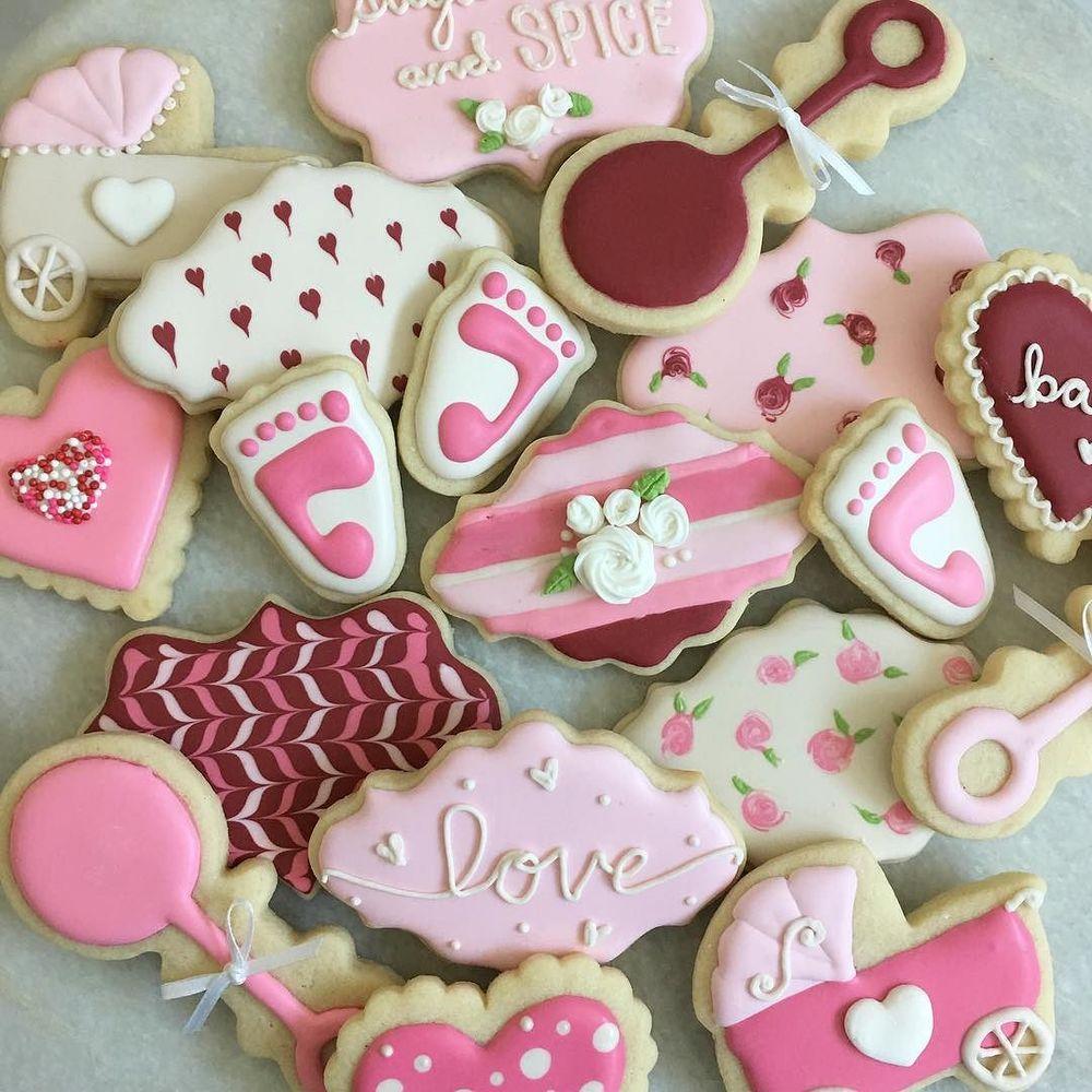 Baby_Girl___sugarcookies__royalicing__babyshower__foodart__instayum_by_jgconfections.jpg