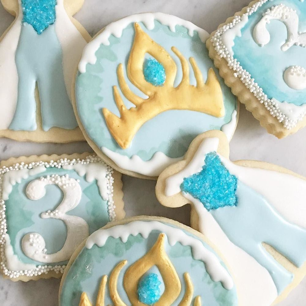 Do_you_want_to_build_a_snowman__frozen__birthdayparty__royalicing__sugarcookies__yum__instasweet__foodart_by_jgconfections.jpg