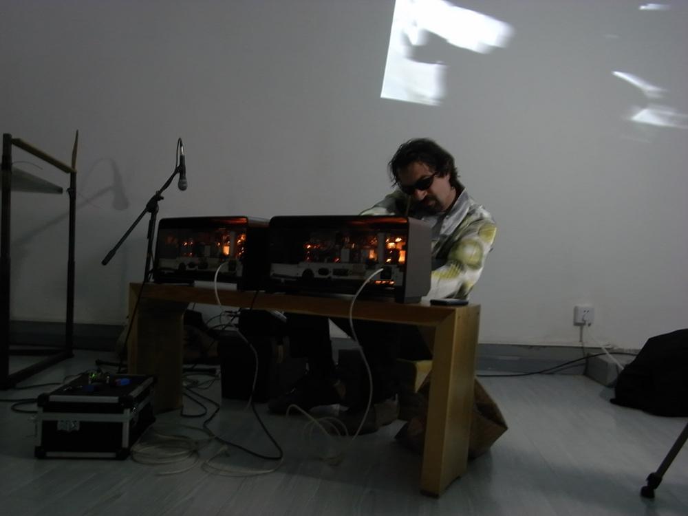 COCODRILES Live Performance05.jpg