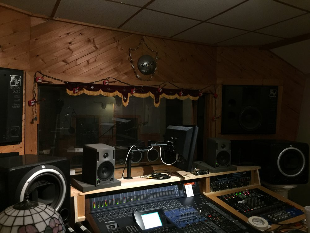 La-Z-L Studio