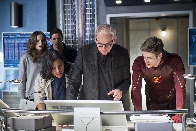 Still of Victor Garber, Danielle Panabaker, Robbie Amell, Grant Gustin and Carlos Valdes in The Flash (2014)
