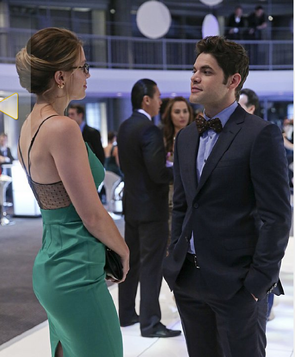 Still of Melissa Benoist and Jeremy Jordan in Supergirl