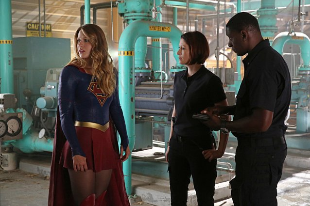 Still of David Harewood, Chyler Leigh and Melissa Benoist in Supergirl (2015)