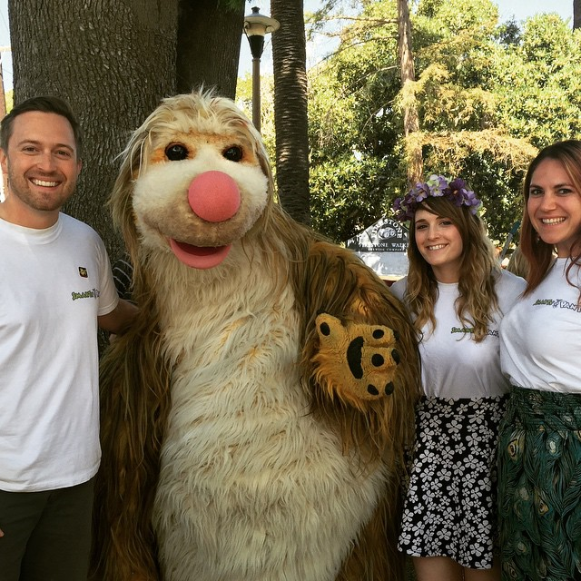Smarty Pants finally met our new friend Snook the #EcoSloth. @theecosloth @sb_earthday #SBEarthDay #SmartyPants