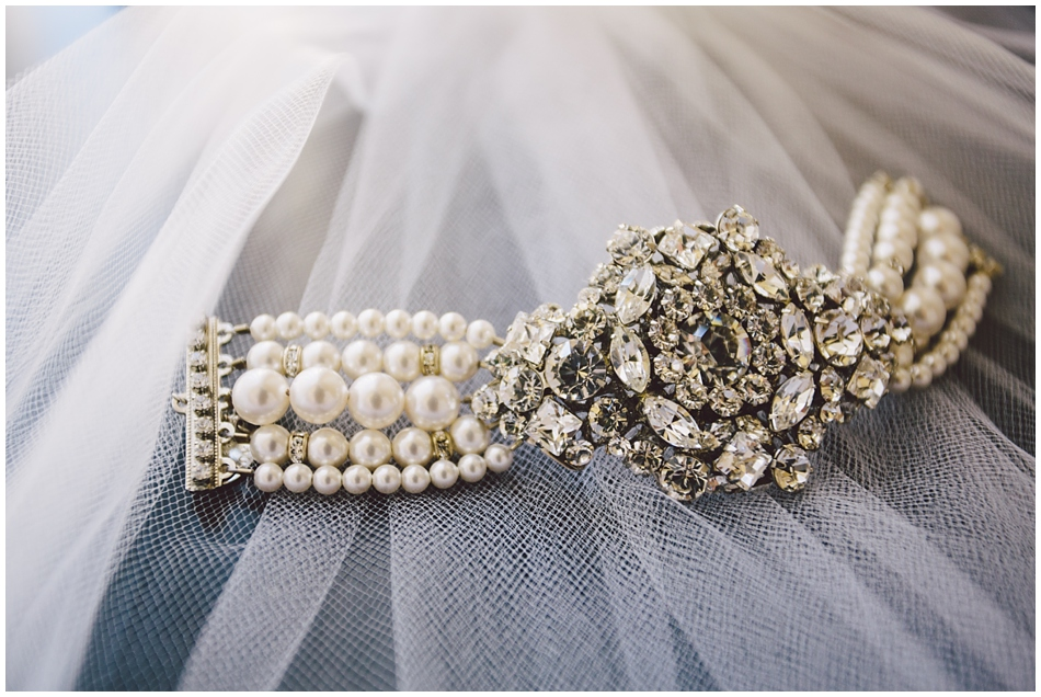 wedding jewelry, bracelet and veil