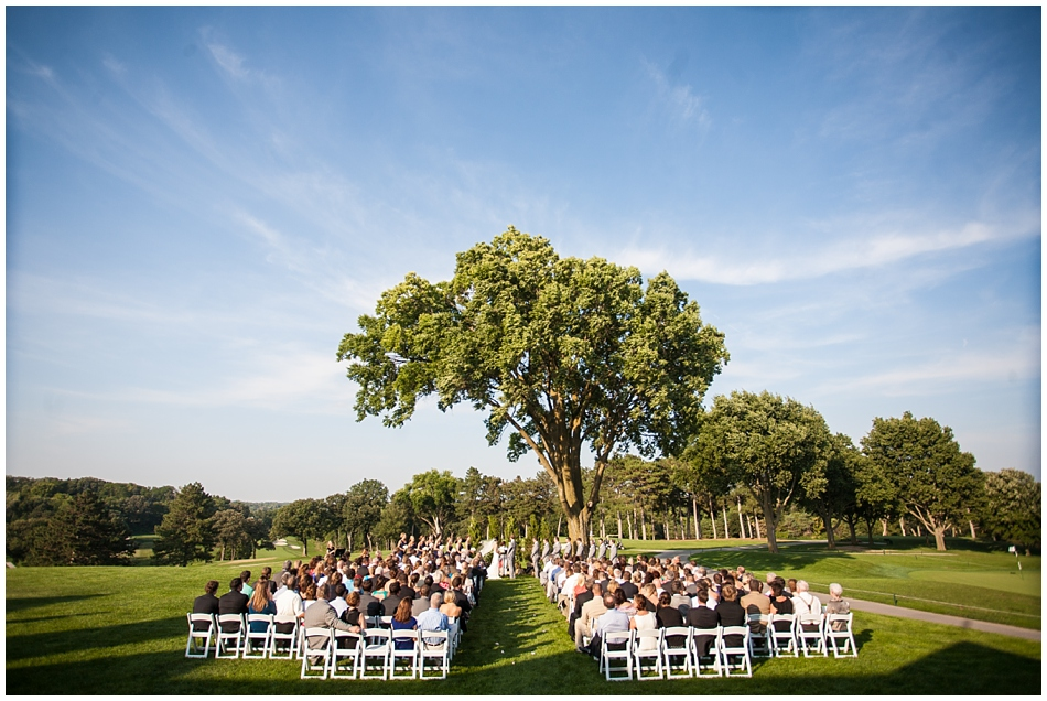 Outdoor wedding reception at Omaha Country Club in Omaha, NE