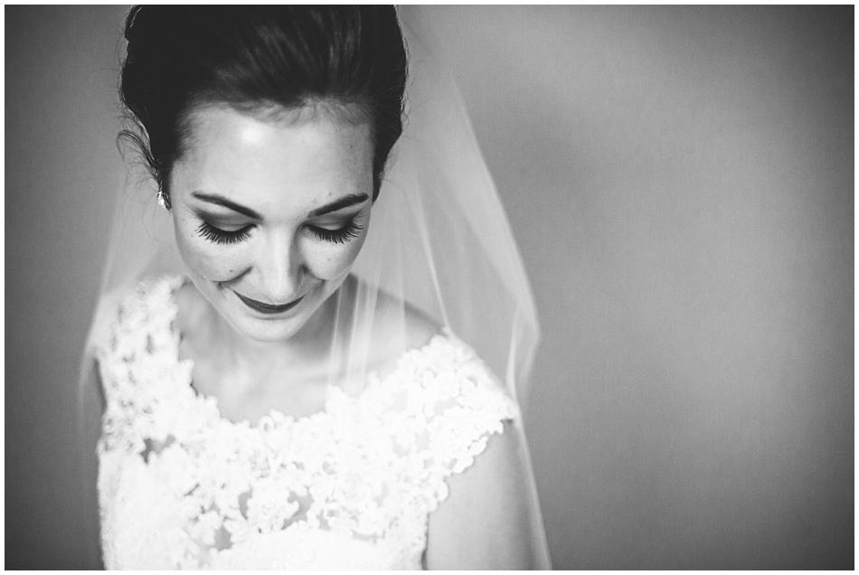 beautiful bride in black and white by Amanda Kohler Photography