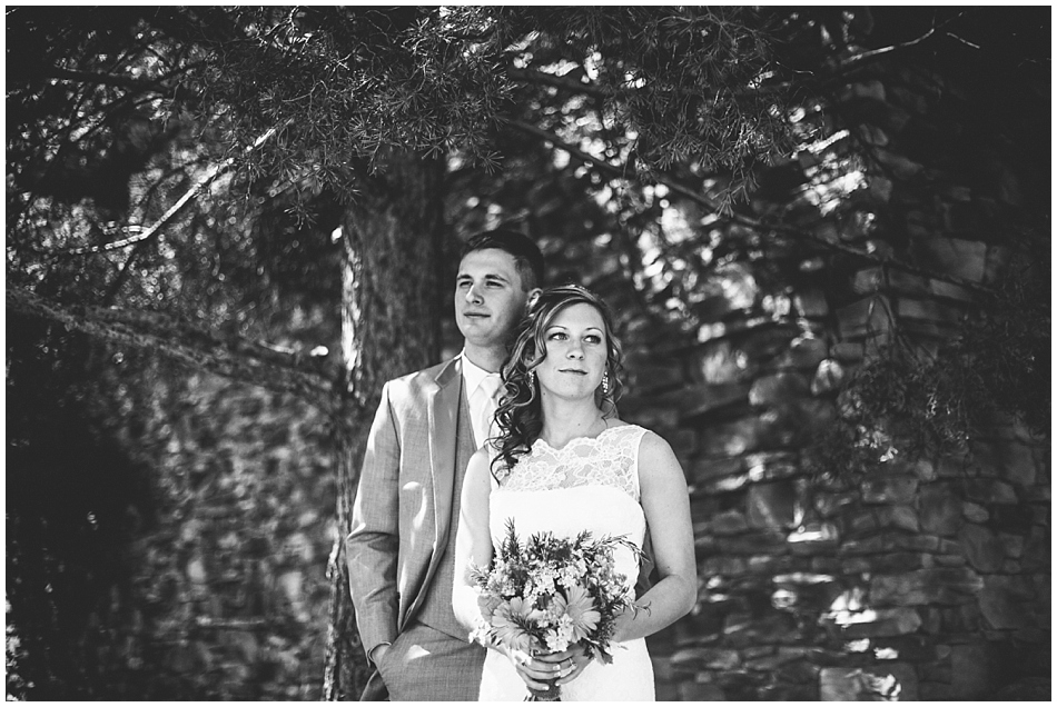 Wilderness Ridge wedding, Bride and groom in black and white