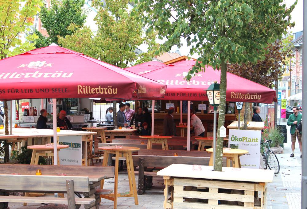 Der Gastgarten von Ritterbräu – ein grüner Hingucker