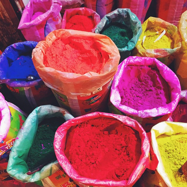 Back from India and have brought back these amazing colored powders (think they're used in Color Runs outside of India) so I can throw a Color Party!! 🍭🎨😝🎉 #milkstripes #india #blogger #chicagoblogger #nycblogger #windycitybloggers #styleblogger #lifestyleblog #fashionblog #fashionblogger #colors #party #partytime #toys #firsttime #travelblog #partyideas #dyi #rainbow