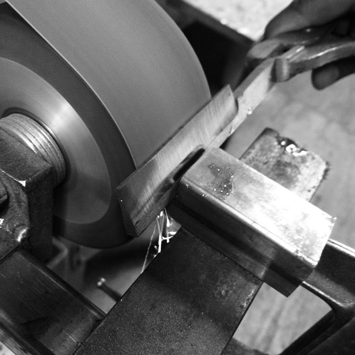 straight razor initial grinding