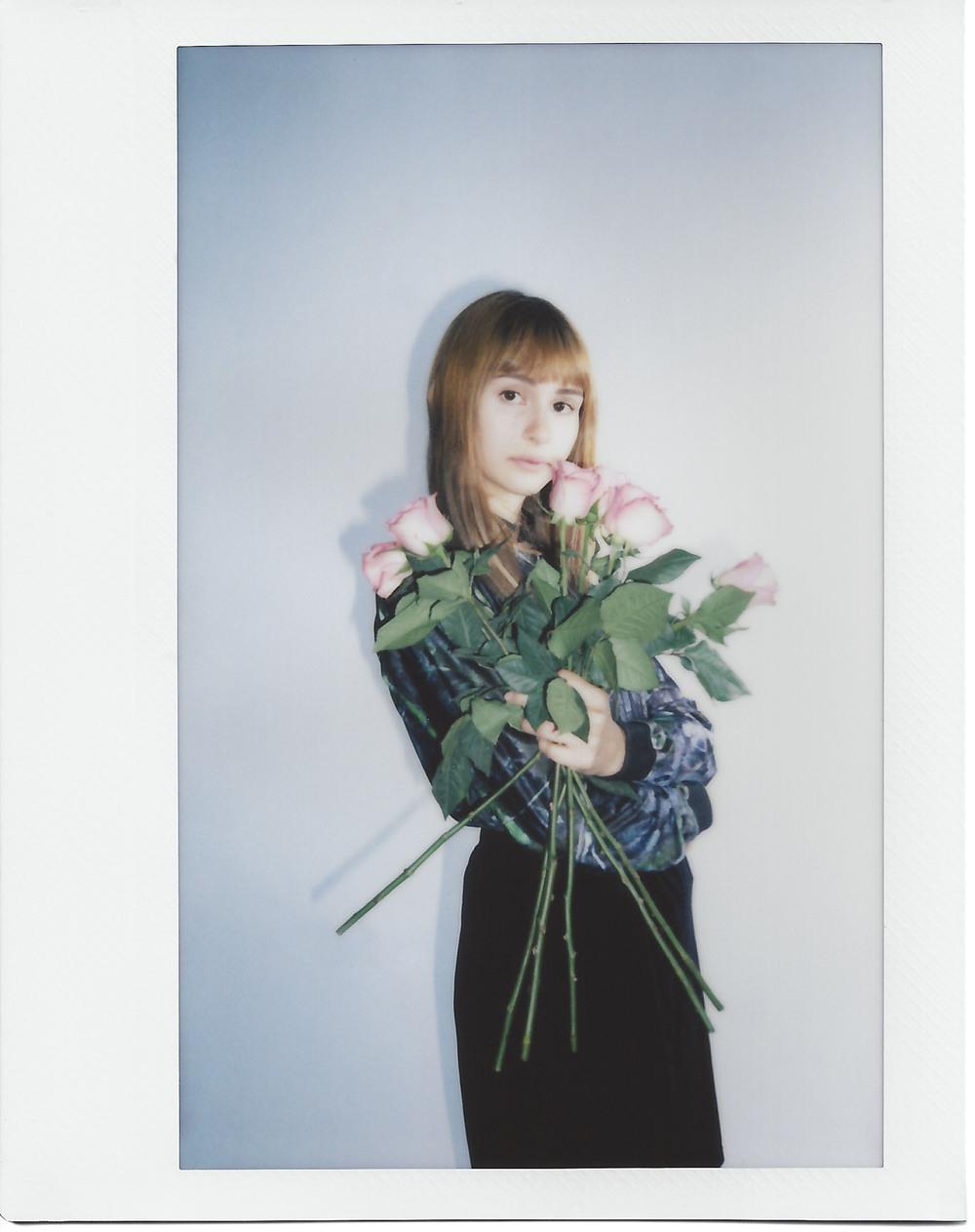casenruiz-daphne-roses-polaroid-2.jpg