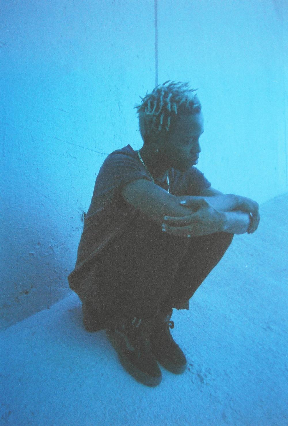 casenruiz-christian-film-blue-2.jpg