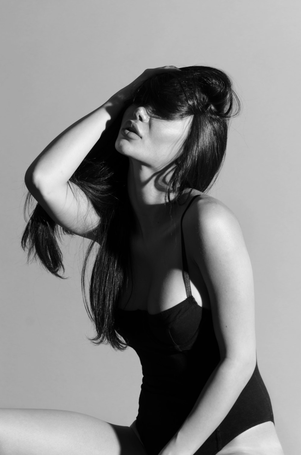 Jasmine-Studio-Grey-1-bw-casenruiz.jpg