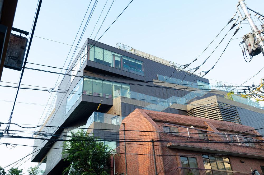 Tokyo-Building-1-casenruiz.jpg