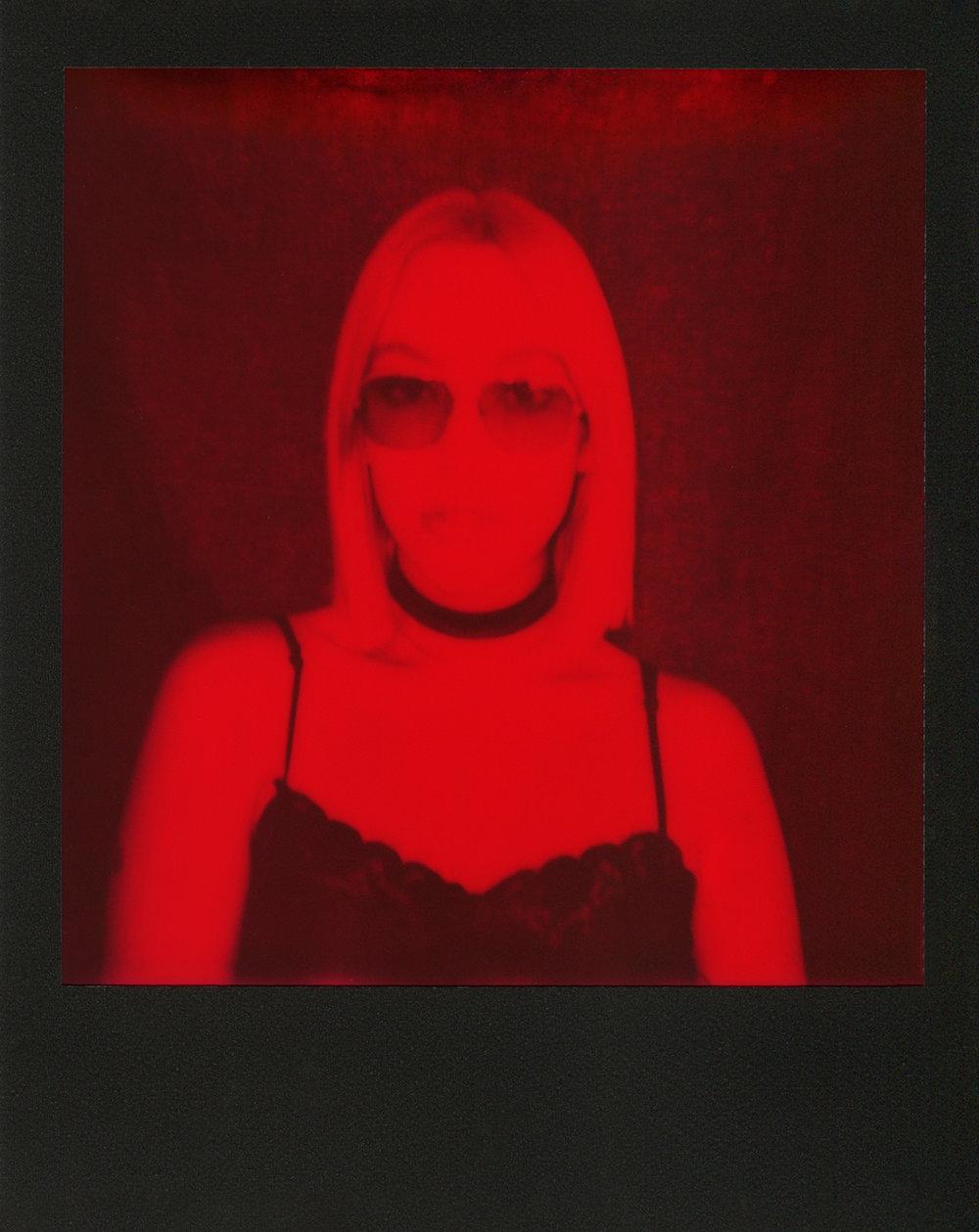 Apphia-Red-Polaroid-casenruiz.jpg