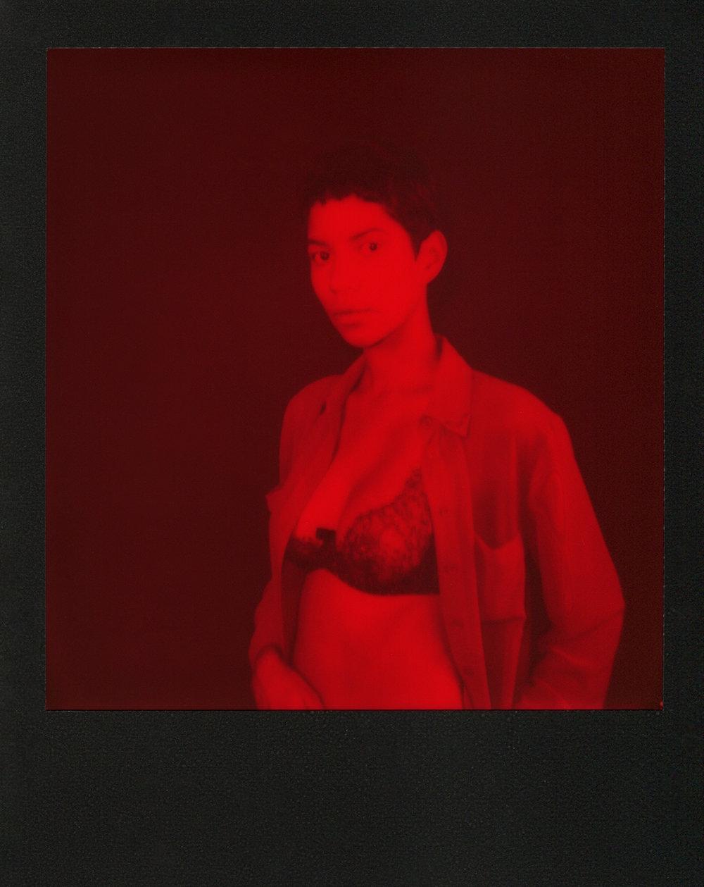 Emily-Red-Polaroid-casenruiz.jpg