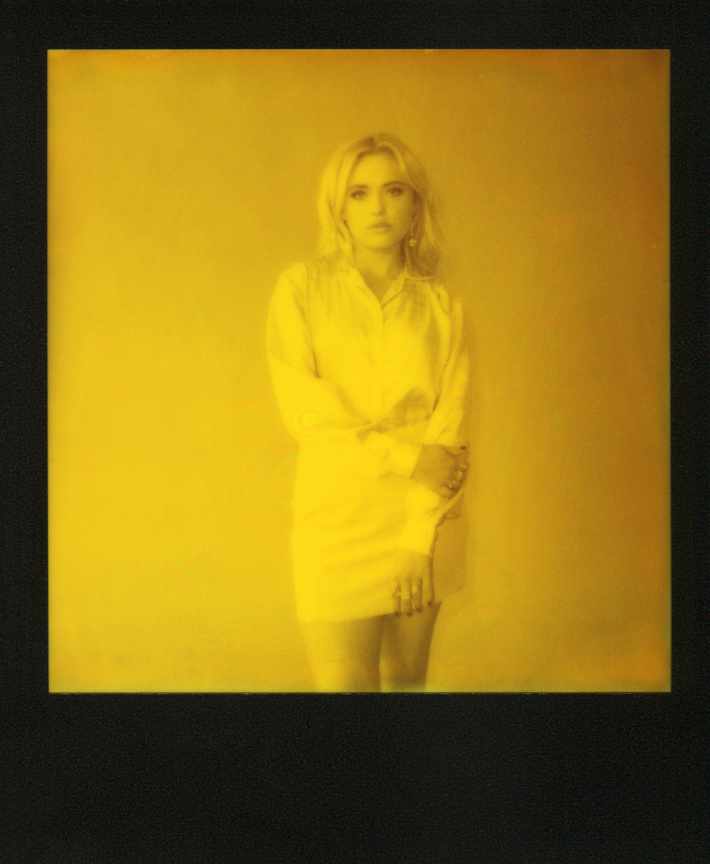 Lauren-Yellow-Polaroid-casenruiz.jpg