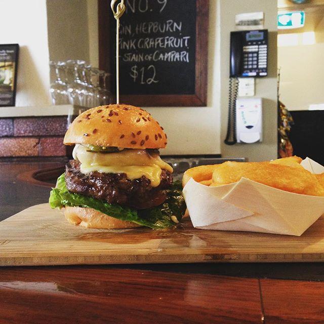Burger perfection#dmrt #DMR #wandervictoria #cheflife #burgers
