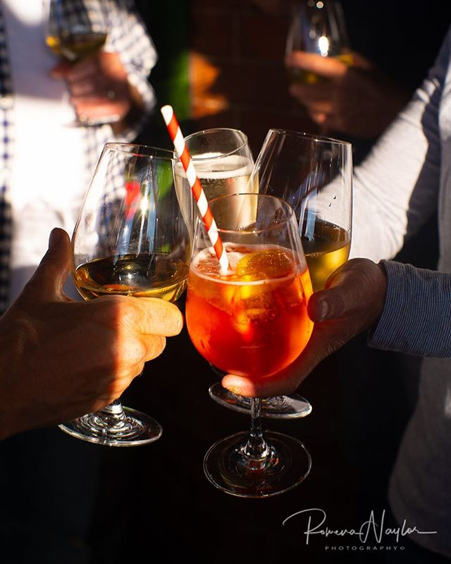 Celebrate the New Year with us!  Festive cocktails and good spirit always served by our bar staff . . . #daylesford #daylesfordhotel #ny2019 #2019 #cocktails #comecelebrate2019 #summerday #daylesfordmacedonlife #daylesfordmacedonranges #daylesfordpub #beerontap #happynewyear2019 #countryvictoria