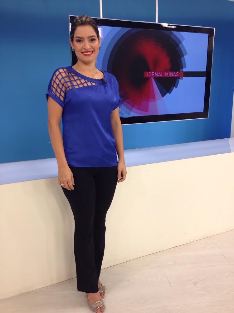 Apresentadora do Jornal Minas veste CAJO