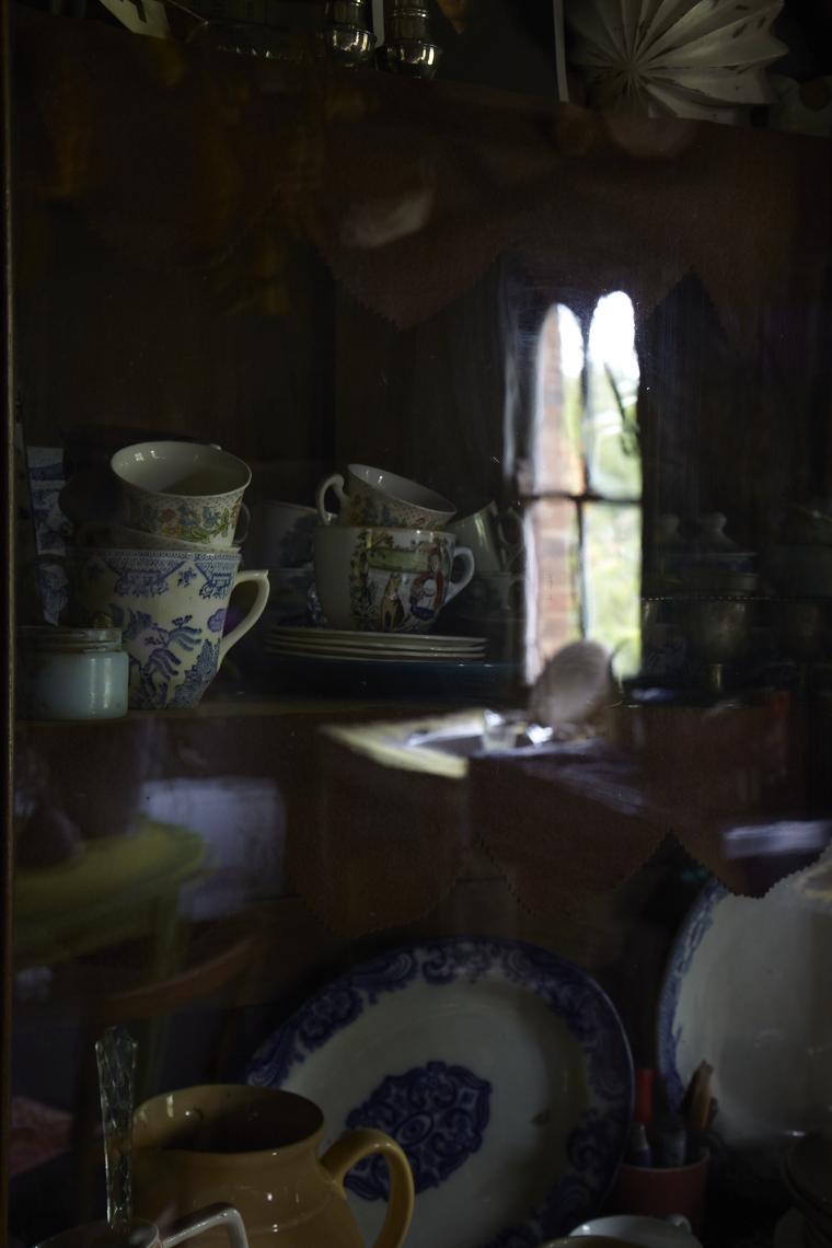 """Tea Time""                    Martyn Thompson"