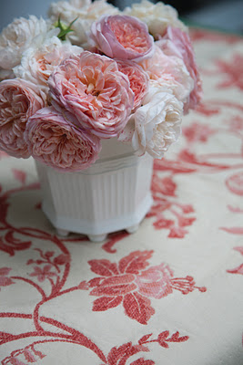 Pink%2BCarnations%2Bwith%2BWhite%2BVase.jpg
