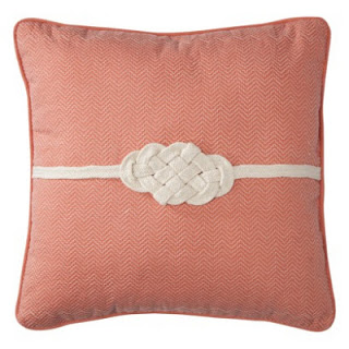 Knot+Pillow.jpg