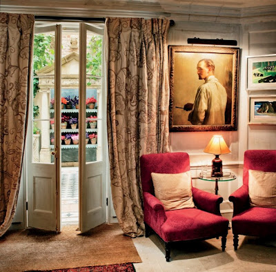 Vanity+Fair+Loulous+seating.jpg