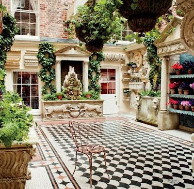 Vanity+Fair+Loulous+courtyard.jpg