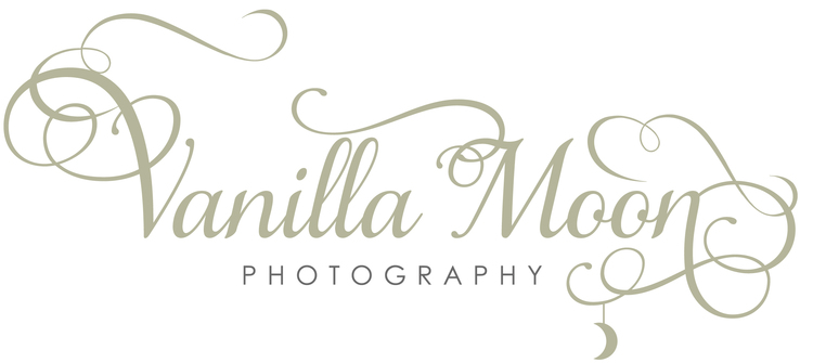 Vanilla Moon Photography - Wedding, Newborn baby & Family Portrait Photographer