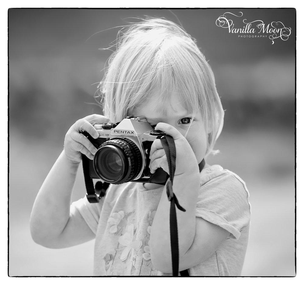 emilia camera blog.jpg
