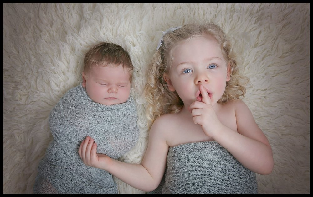 Lara Newborn Sibling-11.jpg