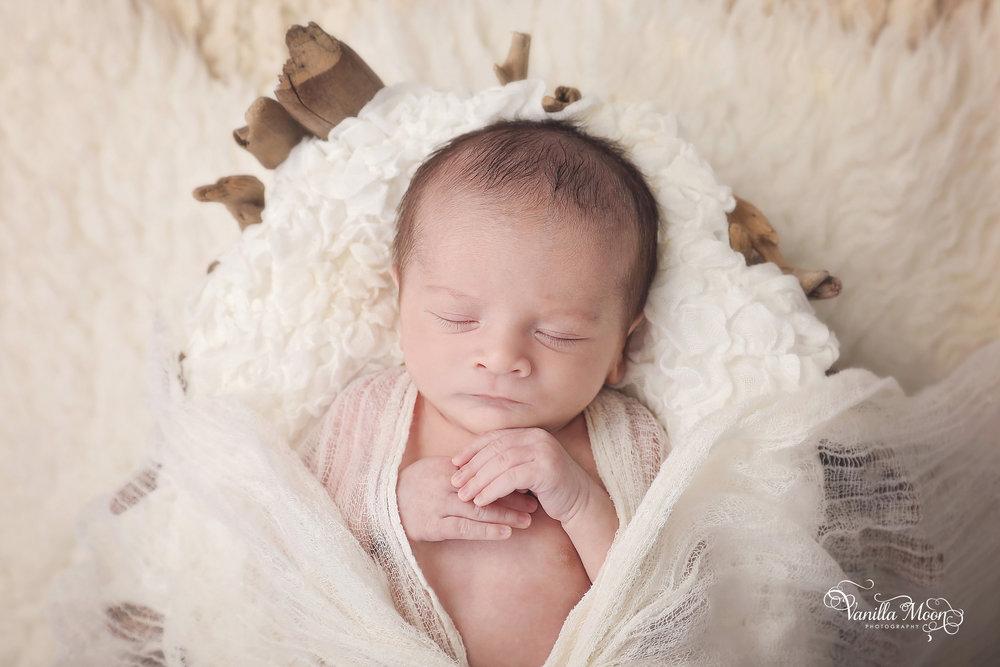 Best newborn photographer Scotland