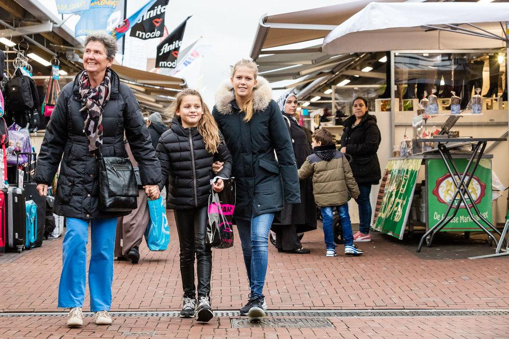 Shoppen op de Haagse markt