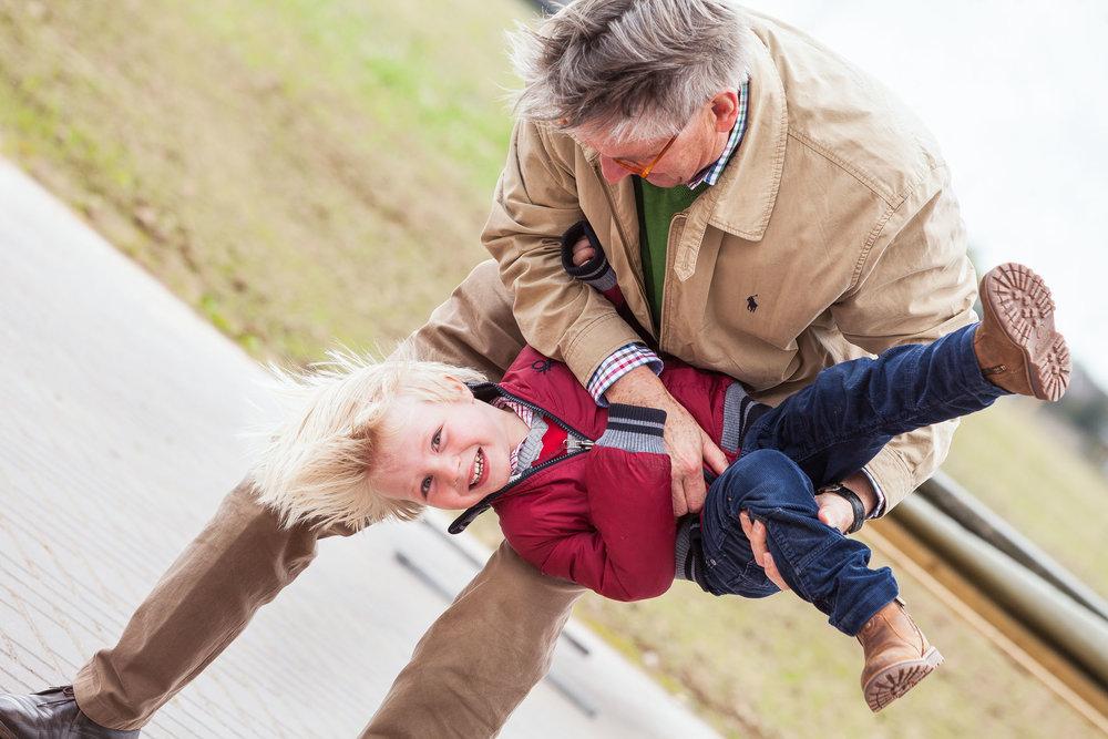Opa met kleinzoon