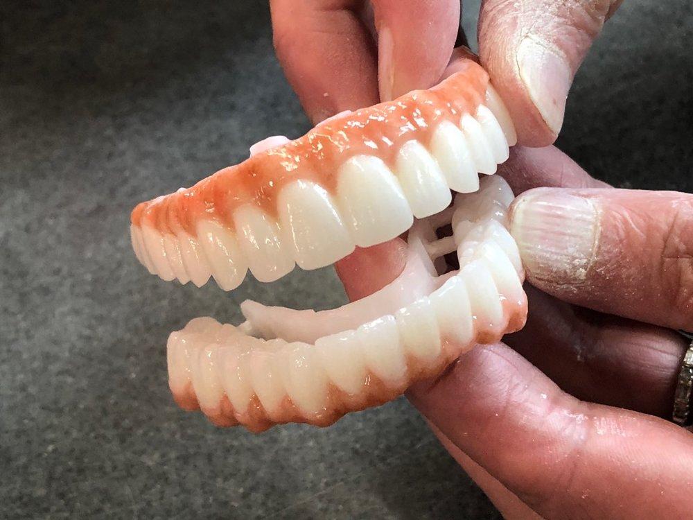dentalceramicsinclaboratorydenalibridge.JPG