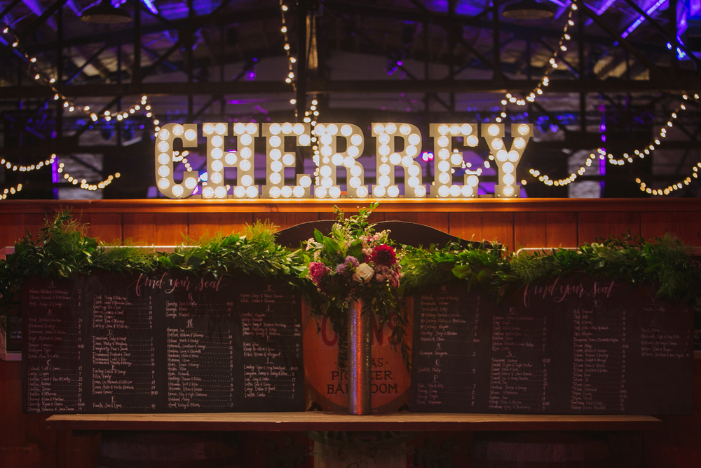 Classy and timeless Tulsa, OK wedding - eversomething.com