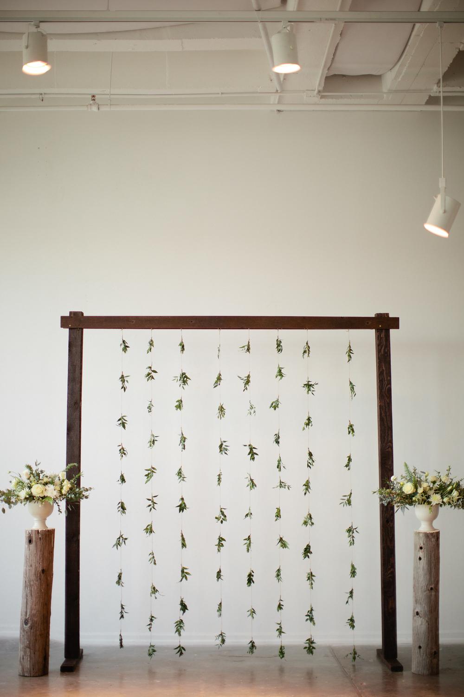 Creative wedding arch - eversomething.com