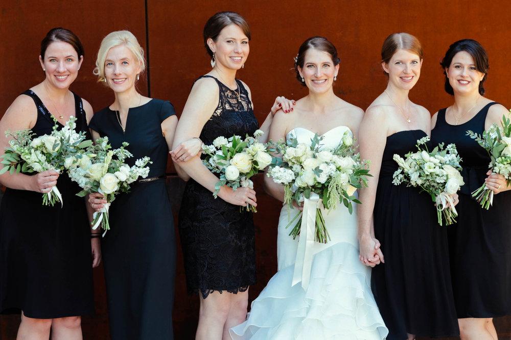 White flowers and black bridesmaids dresses - eversomething.com
