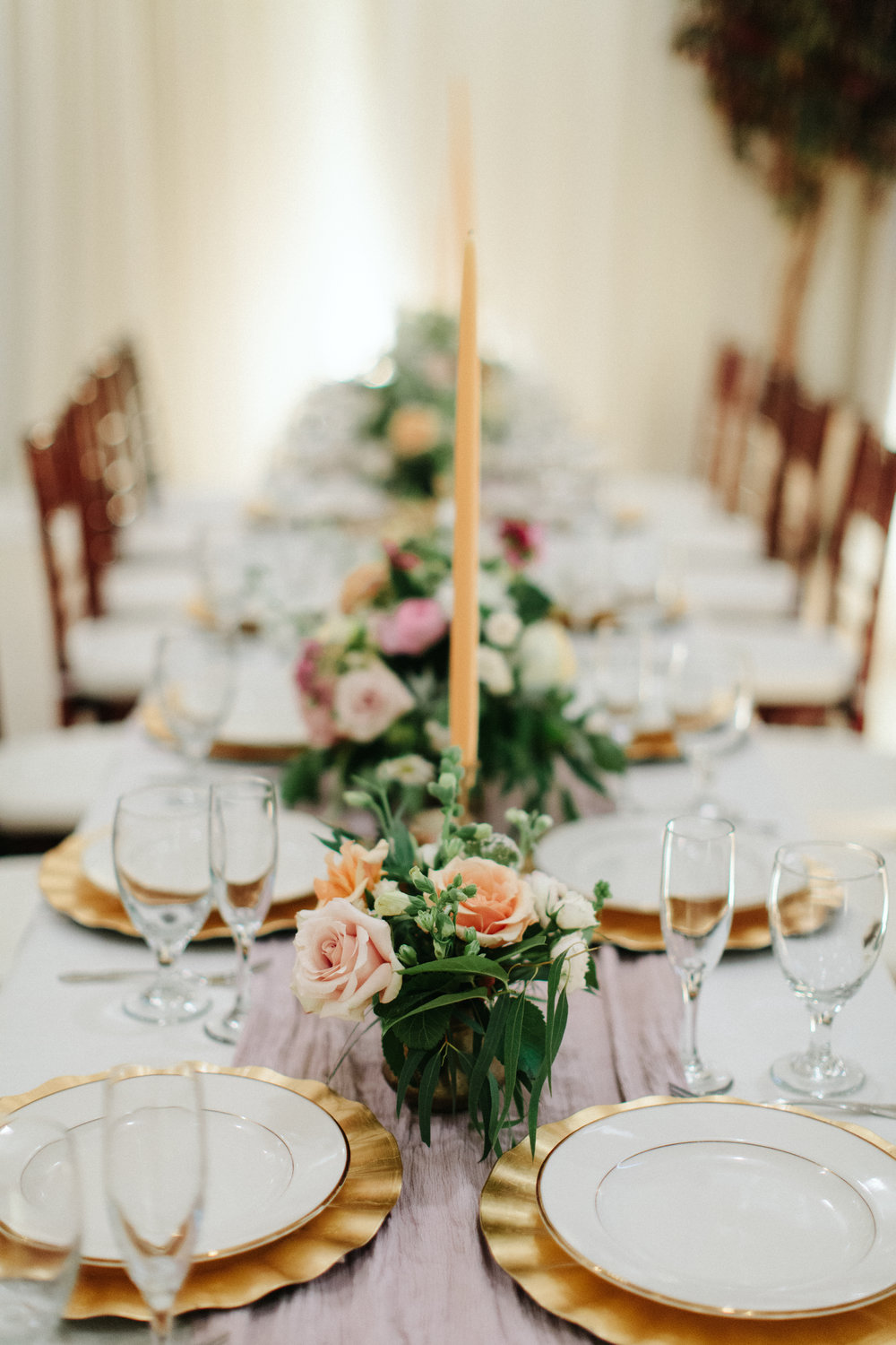 Head table placement - Tulsa Garden Center Wedding - eversomething.com