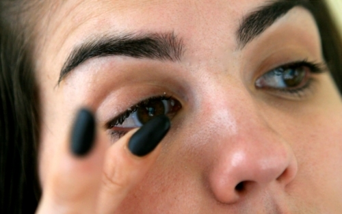 LASHING OUT: A GUIDE TO MAINTAINING HEALTHY EYELASHES — Pucker & Pout