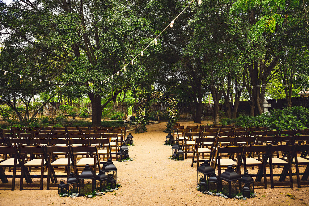 Eirik Halvorsen rustic wedding Fredericksburg Austin Texas wedding photographer-2.jpg