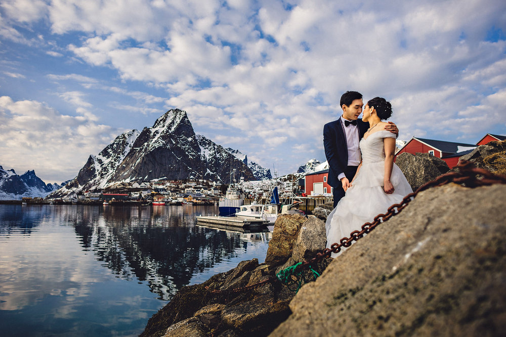 Eirik Halvorsen Gloria and Eugene Lofoten pre wedding-29.jpg
