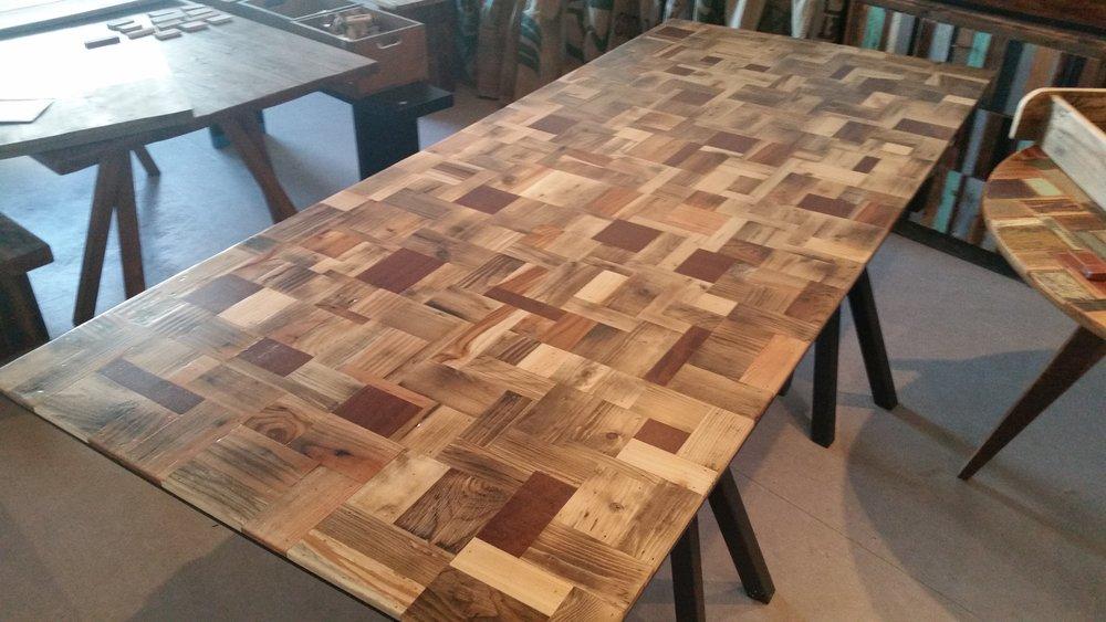 Et Ternet bord fra Woodliving