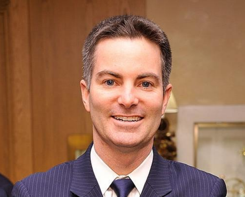<strong>Michael Nelson</strong>, <em>Luxury Sales & Marketing Executive</em>