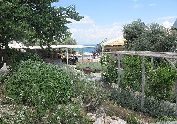 villa_for_rent_greece_16.jpg