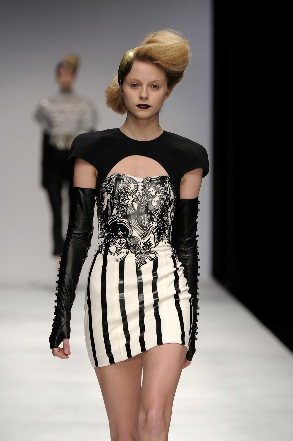 Signature Style - Mixing Black & White with exciting fabric designs