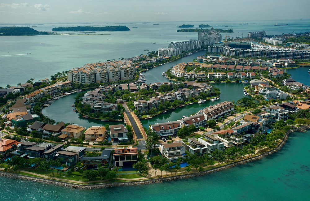 The Singapore Yacht is held at the impressive Club ONE°15 in Sentosa Cove