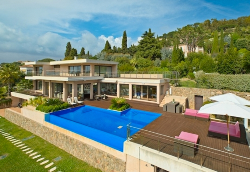 Cannes Villa in the Exclusive Croix des Gardes (Cannes, France)
